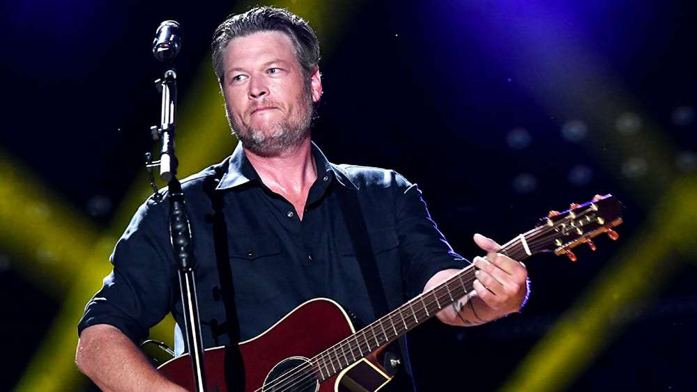 Blake Shelton covers George Jones' hilarious 'The King Is Gone' (And So Are You)