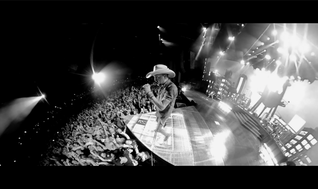 """JASON ALDEAN PUTS 360-SPIN ON """"WE BACK"""" MUSIC VIDEO LIVE FROM THE ROAD"""